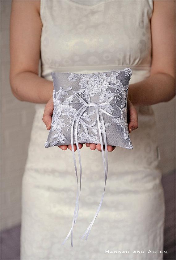 """Mariage - Desiree - 6x6"""" Wedding ring pillow - Wedding ring bearer - Ring pillow bearer - Silk ring pillow _ SILVER GREY"""