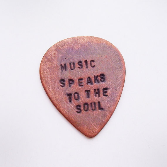 Свадьба - Personalized Copper Guitar Pick - Custom Hand Stamped Message - Brushed, Rustic, Oxidized - Man, Boyfriend, Father, Groomsmen Gift