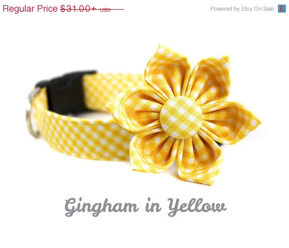 Свадьба - ON SALE Yellow Gingham Dog Collar with Flower Set - Adjustable and Removable Dog Accessory