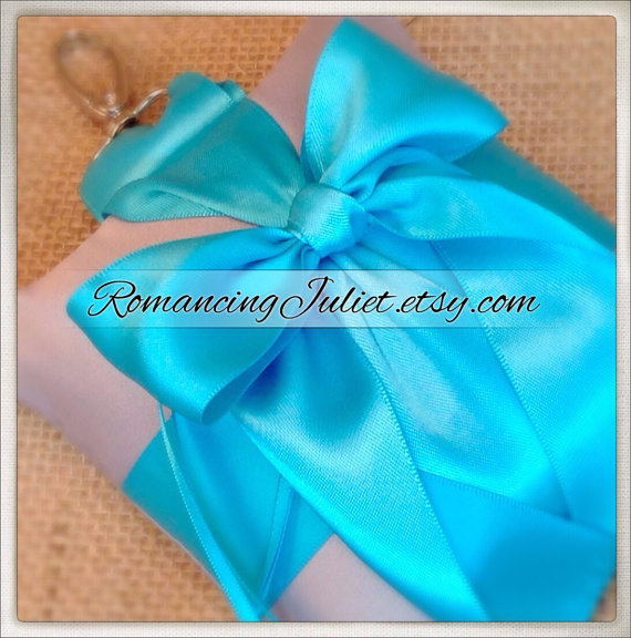 Свадьба - Pet Ring Bearer Pillow...Made in your custom wedding colors...shown in silver gray/turquoise