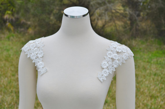 detachable lace sleeves