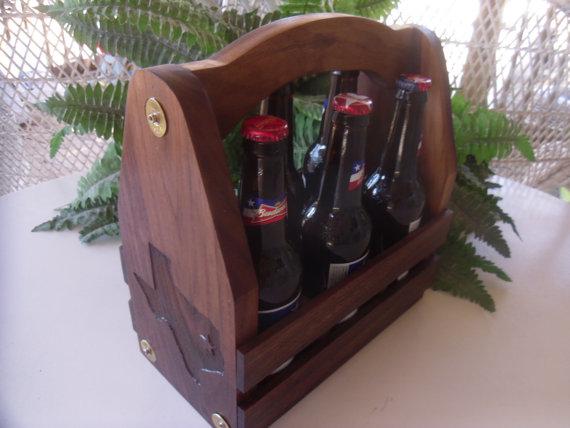 Свадьба - Beer Caddy, Beer Tote, Beer Carrier, Beer, Wedding Gift, Groomsmen Gift, Best Man Gift, Gift for Dad