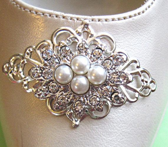 Mariage - Wedding Shoe Clips, crystal shoe clips, Silver Shoe clips, Vintage Style, Pearl Bridal shoe, Wedding  accessories, rhinestone shoe clips
