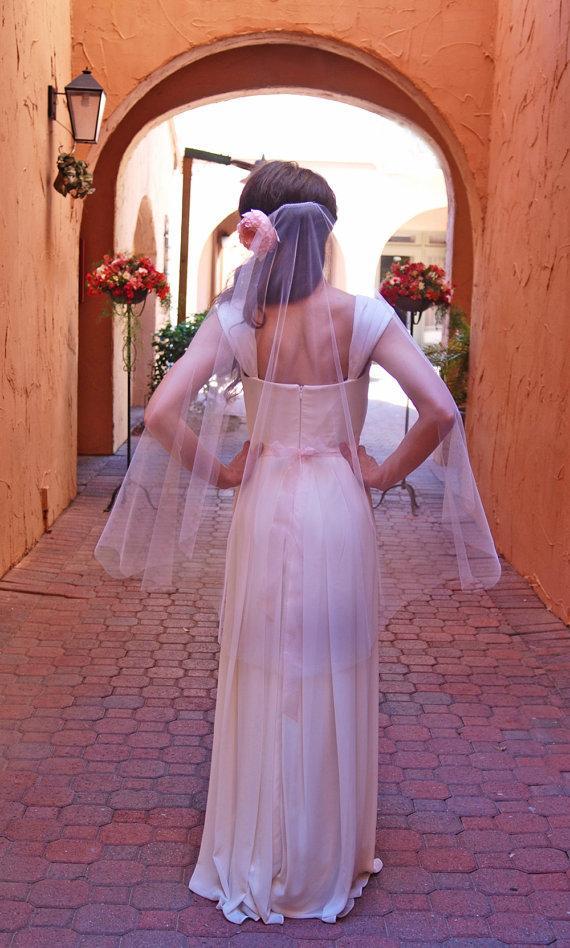 Blush pink short fingertip wedding veil bridal veil for Veil for champagne wedding dress