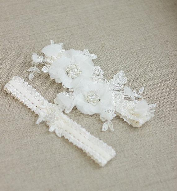 Bridal Garter Belt Wedding Set Ivory Lace Floral Keepsake Toss Bride