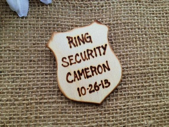 Mariage - Police Style Ring Security Badge Personalized with NAME and Wedding Date Lapel Pin for Ring Bearer Usher Junior Groomsman