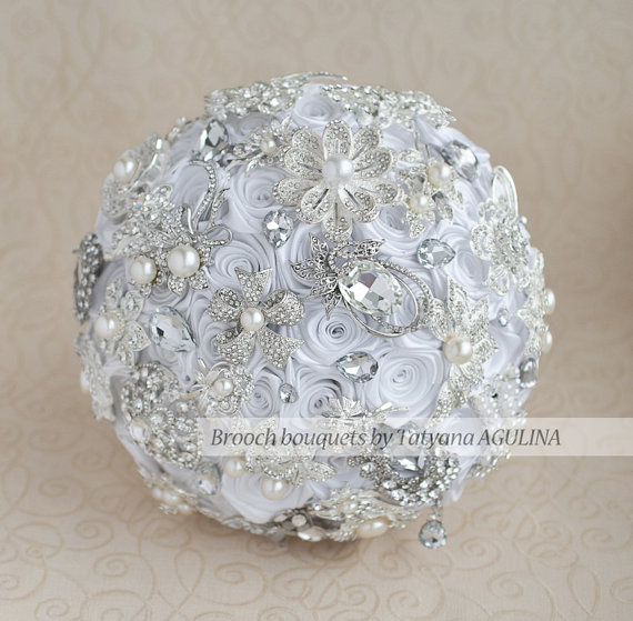 Свадьба - Brooch bouquet. White and silver wedding brooch bouquet, Jeweled Bouquet. Made upon request