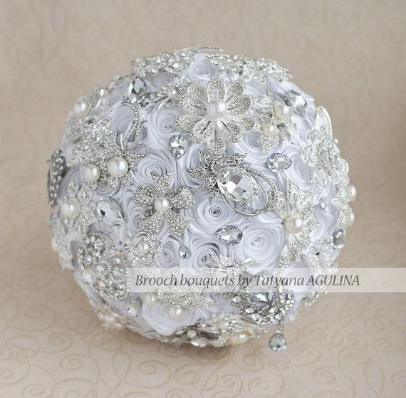 Hochzeit - Brooch bouquet. White and silver wedding brooch bouquet, Jeweled Bouquet. Made upon request