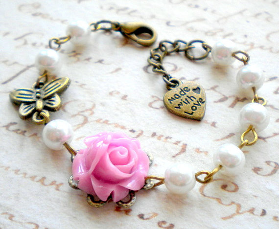 Свадьба - Flower Girl Bracelet Gift For Girls Lavender Bracelet Pastel Wedding Jewelry Children Bracelet Baby Girl Charm Bracelet Butterfly Jewelry