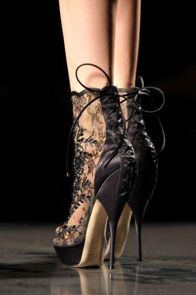 Свадьба - Kick Up Your Heels...