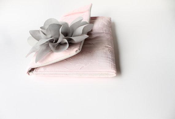 Mariage - Bridesmaid Clutch, Wedding Clutch Purse, Pale Pink, Gray Flower, Silk Chiffon - LIMITED EDITION