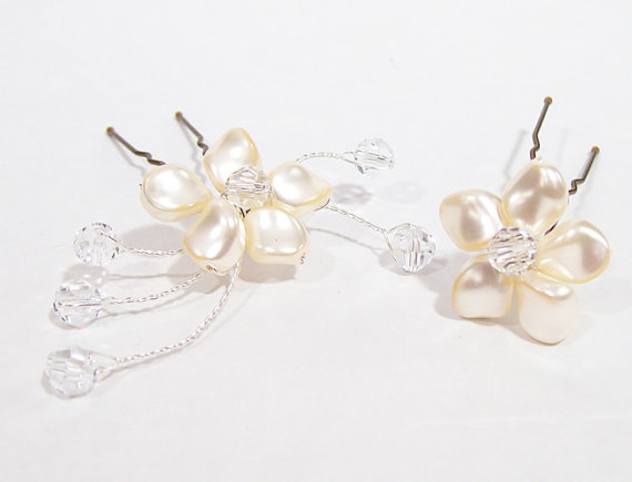 Wedding - 2 Floral Hairpins with Cream (ivory) Pearls & Clear Crystals, Wedding Hair jewelry accessories, bobby pin, flower, off white diamond twinkle