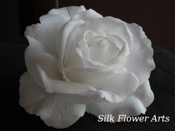 Свадьба - White Bridal Flower Hair  Clip Wedding Hair Clip  Wedding Accessory White Rose Bridal Hair Clip
