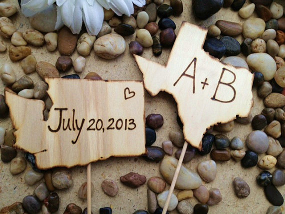 Свадьба - YOUR States Wedding Cake Toppers - Personalized with Carved Initials and your Wedding Date Texas Illinois Kansas California NY