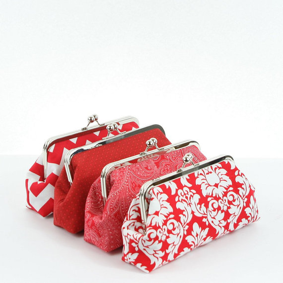 Свадьба - Bridesmaid Gifts Wedding Party Purses Custom Personalized Bridesmaid Clutches Purses Bags