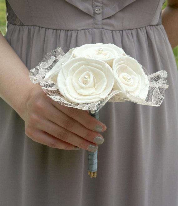 Свадьба - Lace Collection - Mini Wedding Bouquet - Toss Bouquet, Jr Bridesmaid - Ivory, Sola Wood Rose - Dyeable, Custom Flowers, Alternative Bouquet