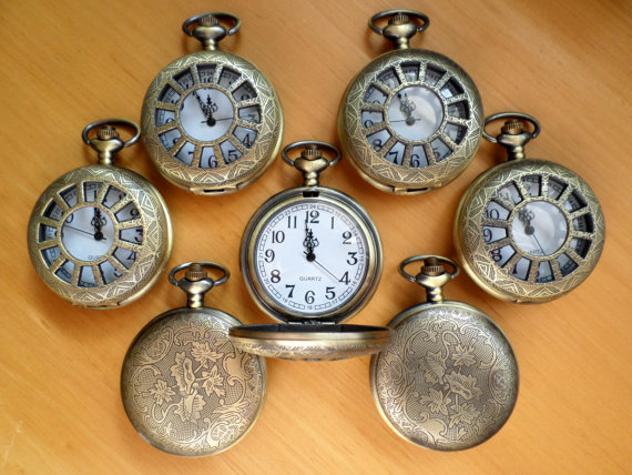 Свадьба - Set of 7 Rustic Antique Gold Bronze Quartz Pocket Watches with Vest Chains Groomsmen Gift Grooms Corner Keepsake Ships from Canada