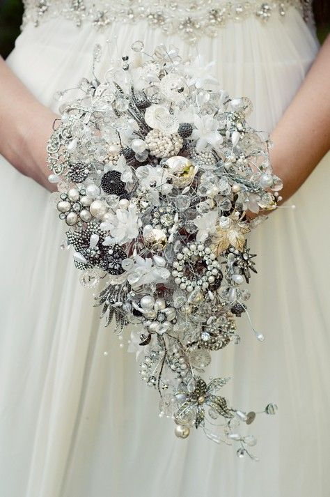 Mariage - Inspiration Friday: Alternative Bridal Bouquets - Boho Weddings™