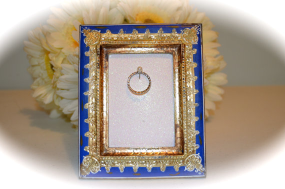 Свадьба - Blue and Gold Engagement & Wedding Ring Picture Frame Ring Holder--2.5 x 3.5""