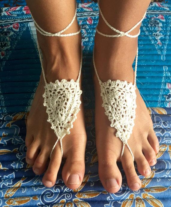 Mariage - MINI Ivory Crochet Foot Piece, Barefoot Sandals, Wedding footwear, Yoga Shoes, Foot Jewellery, Wedding Anklet