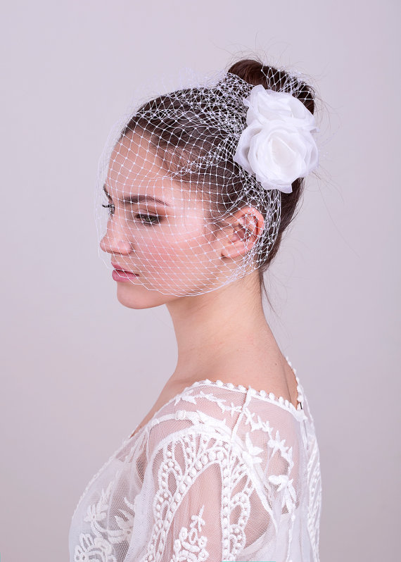 Свадьба - Bridal veil with silk roses, wedding headpiece, bridal birdcage, wedding flowers