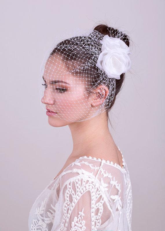 Mariage - Bridal veil with silk roses, wedding headpiece, bridal birdcage, wedding flowers