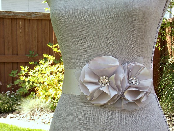 Mariage - Silver Bridal Sash, Gray Wedding Sash, Silver Wedding Belt, Silver Bridal Belt -Silver Flowers