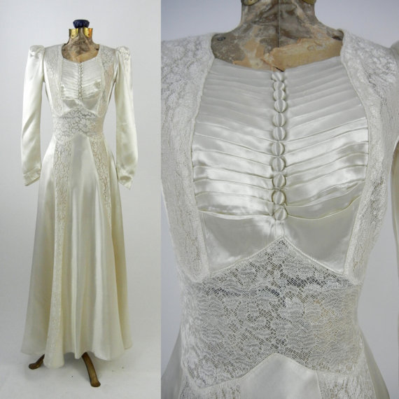 Mariage - Vintage Wedding Dress - 1930 - Ivory - Satin - Lace - Dress - Bridal - Long Sleeves - Pleats - Buttons - Elegant - 30s - Small - Art Deco