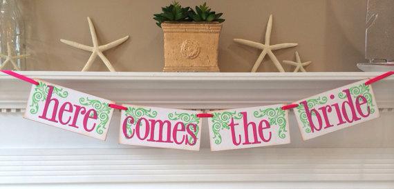 زفاف - Here Comes The Bride Wedding Banner or Photo Prop / Customize To Your Wedding Colors / Flower Girl / Ring Bearer