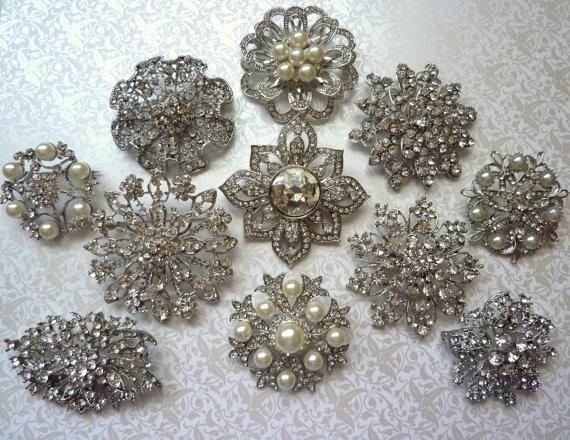 Mariage - 8 pc. Brooch Large Ex-Large Silver Pewter Crystal Rhinestone Brooches Wedding Brooch Bouquet Wedding Invitations Dress Sash
