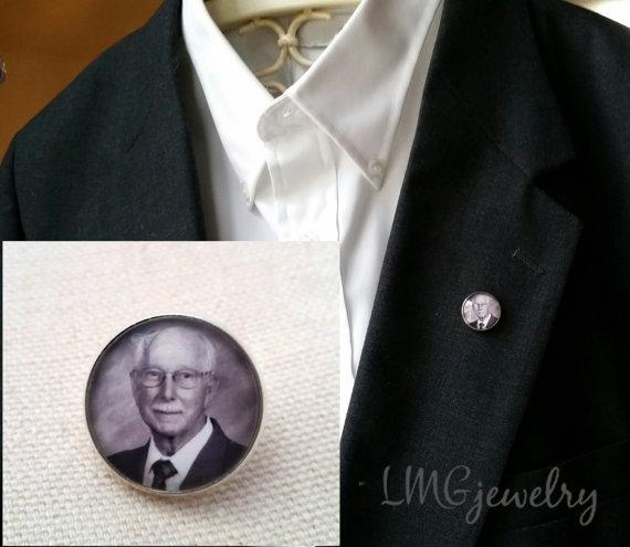 Mariage - Custom Photo Lapel Pin or Tie Tack, Lapel Pin Memory Keepsake, Groom Photo Memory Lapel Pin, Wedding Keepsake
