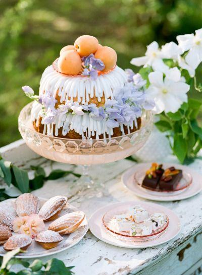 Mariage - Vintage Pastel Garden Bridal Inspiration