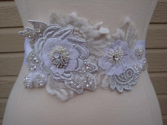 Mariage - Bridal Sash - Bridal Sash Belt - Vintage Wedding - Romantic Bridal Sash -  Silver and White Beaded Lace Bridal Sash