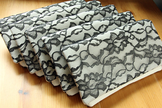 Mariage - 7 Bridesmaid Clutches - Black Lace and Ivory Satin - Wedding Clutch Purse - Bridesmaid Gift Idea