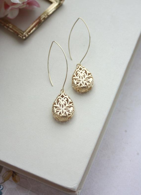 Свадьба - Gold Pear Teardrop Filigree Earrings. Wedding Jewelry, Bridal Earring. Bridesmaid Gift. Gold Three Dimensional Pear Filigree, Boho Wedding.