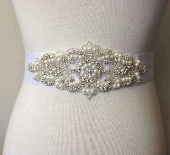 Свадьба - Applique Sash Belt-White Sash-Bride Sash-Bridal Sash-Wedding Dress Sash-Rhinestone Belt-Satin Ribbon Belt-Rhinestone Pearl Applique Sash