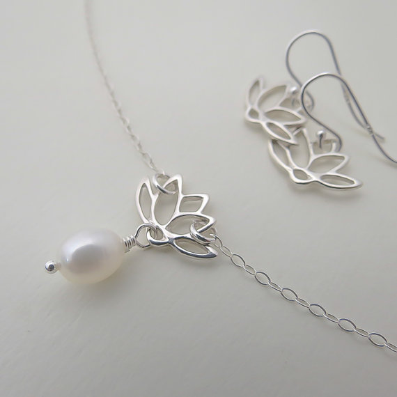 Mariage - Lotus Necklace & Earring SET, Bridal Set, Bridesmaids Lotus Jewelry Set, Weddings,Anniversary Gift, Pearl Jewelry, Blooming Flowers SET Gift