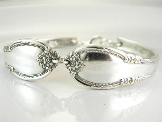Hochzeit - Spoon Bracelet, FREE Engraving, PERSONALIZED BRACELET, Spoon Jewelry, Bridesmaid Bracelet, Bridesmaids, Spring Wedding - 1948 Remembrance