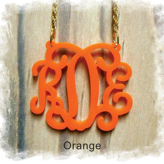 Свадьба - Acrylic Monogram Necklace - Vine Monogram 3 Initial Name , Laser cut Acrylic monogram Jewelry - wedding gift