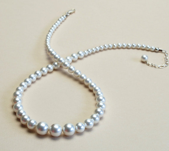 Свадьба - Eggshell White Pearl Necklace - Graduated Shell Pearl Necklace - Pearl Bridal Jewelry - Optional Sterling Silver Earrings