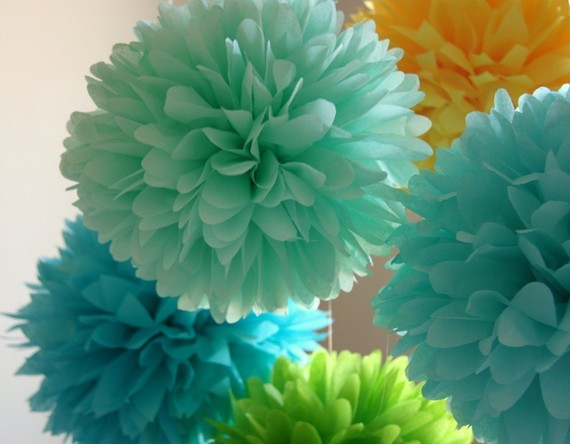 Hochzeit - Summer Breeze .. 5 Tissue Party Poms ..  Wedding Reception Decor .. Bridal Shower .. Baby Shower Decor