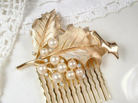Mariage - TRIFARI Brushed Rose Gold Ivory Pearl, Clear Rhinestone Leaf Bridal Hair Comb or Sash Pin, Headpiece / Wedding Accessory Vintage Modern Comb