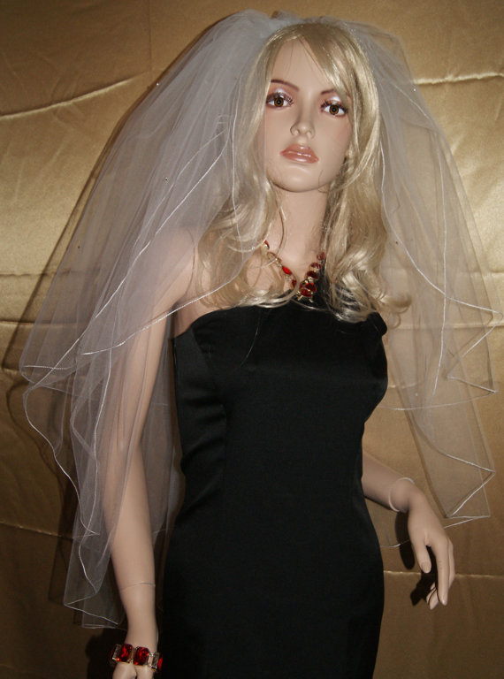"Mariage - Wedding Veil Fingertip length Black Red Purple Pink Beige White Ivory 3 Tiers 28"" 36"" 40"" Length Swarovski embellishments  9 Color choices"