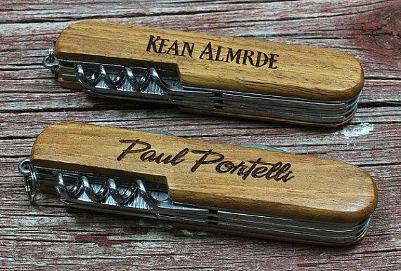 Свадьба - SET OF 1 Engraved Pocket Knife, Rosewood Handle, Multi Tool Knife, Best Man Gift,Groomsmen Gift,GFT010-1