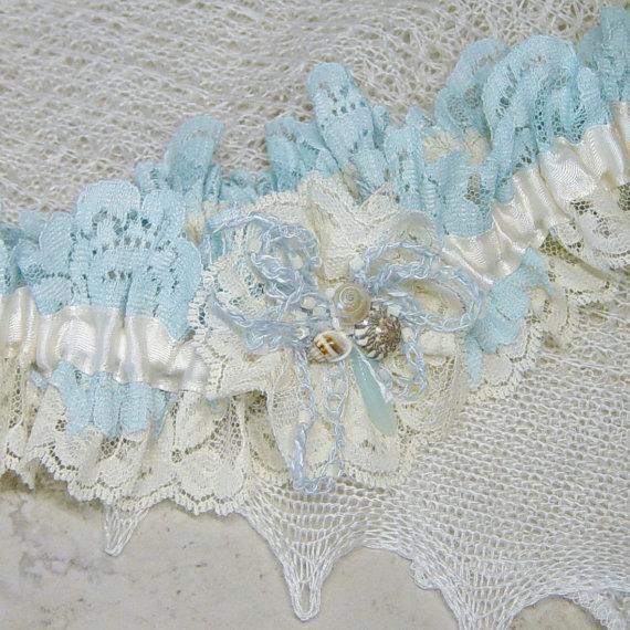 Свадьба - Seashell Beaded Ivory and Aqua Blue Vintage Lace Wedding Garter