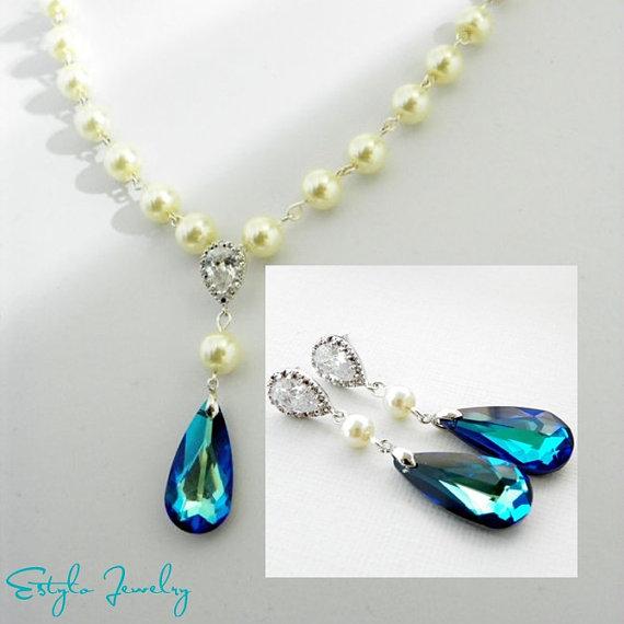 Свадьба - White Ivory Pearl Earrings and Necklace Set, Bermuda Blue Swarovski Teardrop, Peacock Blue Wedding Jewelry Set, Bridesmaid Gift Set.