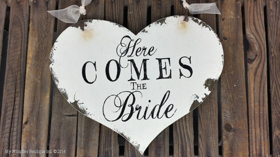 Mariage - HERE COMES the BRIDE Sign, Vintage Wedding Sign, Heart Shaped Wedding Sign, Original Sign by the Original Designer, Ring Bearer Sign