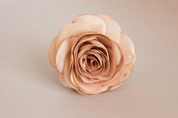Свадьба - Beige Hair Flower, Tan Hair Clip, Beige Bridesmaids Hair Flower,  Beige Hair Clip,  Beige Wedding Accessories