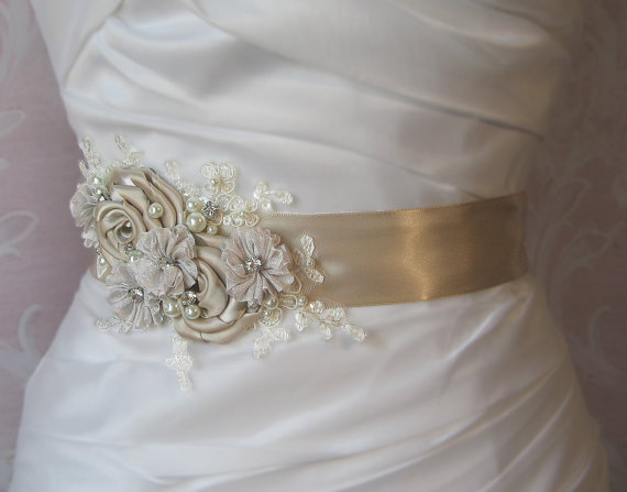 Свадьба - Light Champagne Bridal Sash with Ivory Lace, Crystals and Pearls, Oatmeal Bridal Belt, Pale Taupe Wedding Belt - LAKESHORE