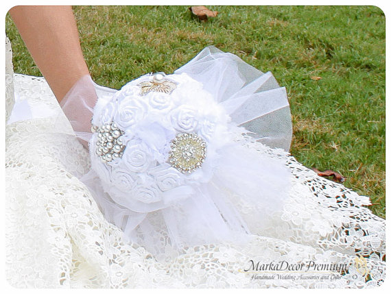 Wedding - READY TO SHIP Brooch Bouquet Bridal Bouquet Jeweled Bouquet in White, Bridal White and Off White